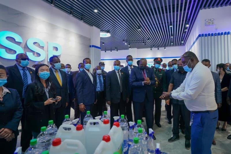 埃塞俄比亚总理阿比携苏丹军事委员会主席布尔汉莅临三圣药业参观访问