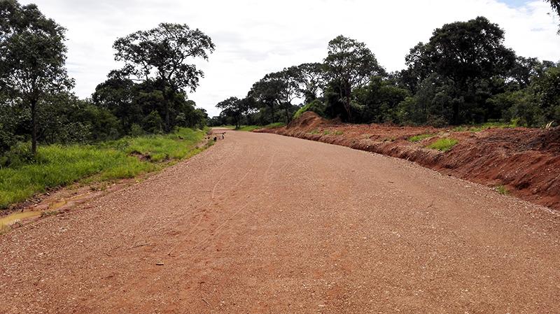 KANSANJIKU小型水力发电站进场道路(赞比亚)
