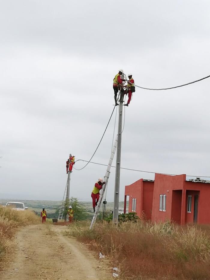 罗安达30万户低压配网工程