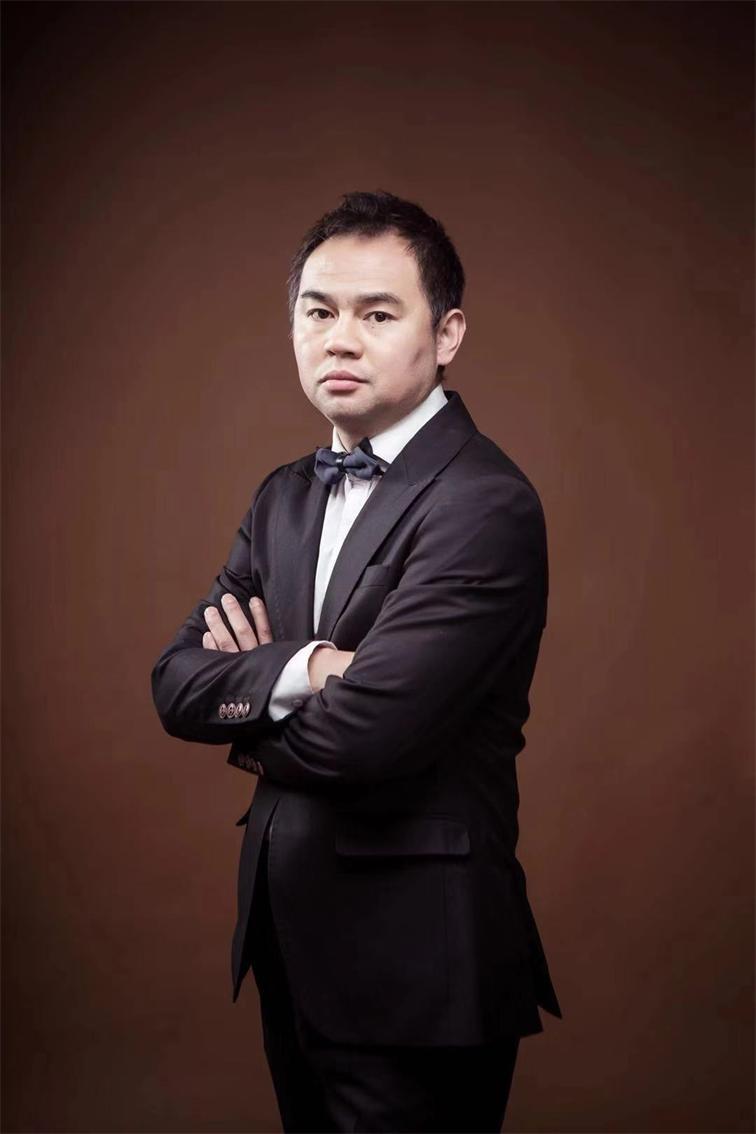 設計總監賈紹宇