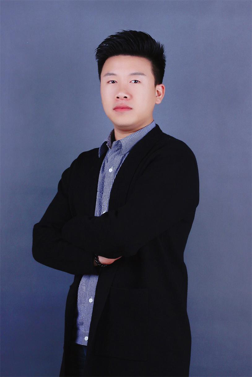 首席設計師梅任